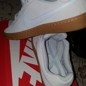 Womens Nike Suede Size 10